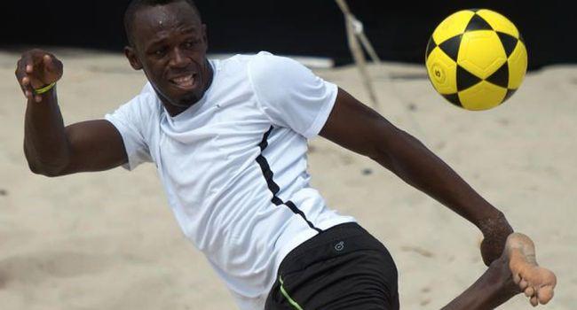 Usain Bolt poursuit son rêve et s'entraîne désormais avec un club australien
