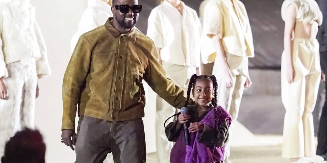 Kanye West dévoile sa collection YEEZY SEASON 8 à Paris