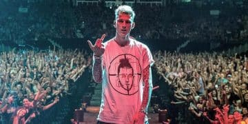 "Machine Gun Kelly proclame ""F*ck White Privilege"" en réaction suite à lamort de George Floyd"